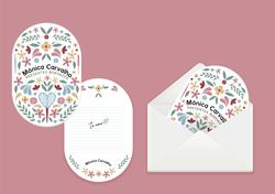 Cartão para presente delicado. Envelope pra presente personalizado com adesivo e logotipo impresso.