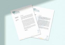 Material de consultório personalizado com papel timbrado. Aplicação de logotipo aos materiais de con