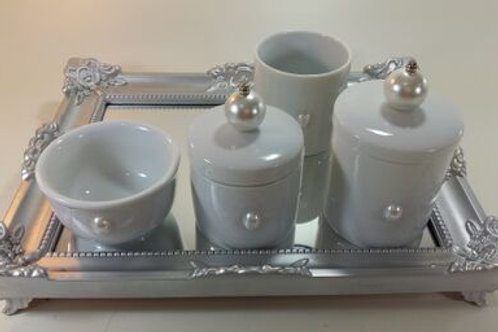 ref 243 kit higiene 4pçs pérola branca -bad prata,bandeja em acrílico