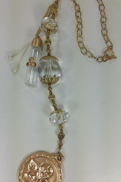ref 92 medalhão de berço/água benta-cristal/dourad