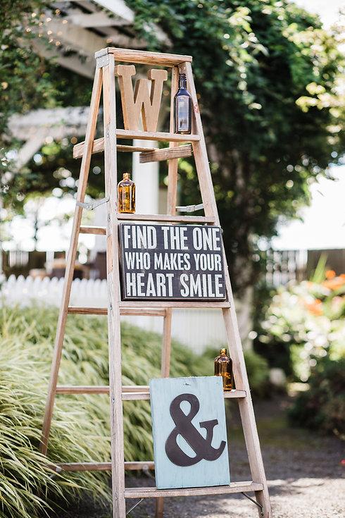 The_Minny_Planner_Minnesota_Ladder_Wedding_Decorations