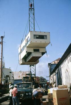 Unloading camper in Cartagena