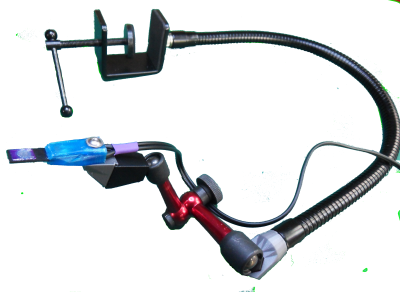 MoJo: Flexi and articulated arms combined supporting a zSensor