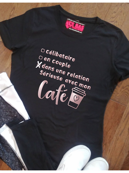 DANS UNE RELATION SÉIEUSE AVEC MON CAFÉ