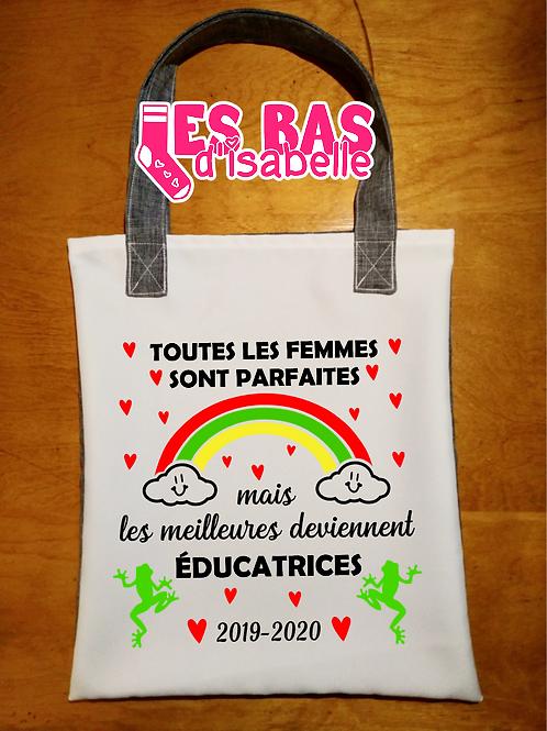 TOUTES LES FEMMES SONT PARFAITES MAIS LES MEILLEURES DEVIENNENT ÉDUCATRICES