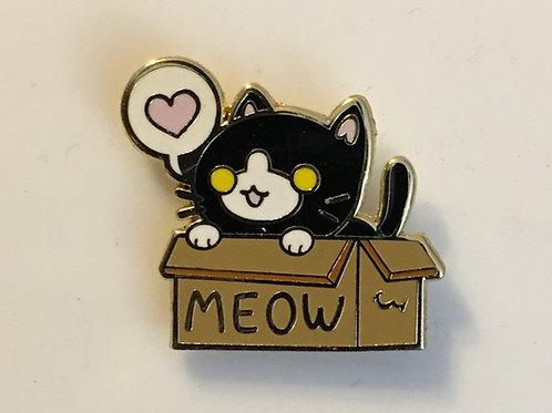Box Cat Pin - Tuxedo Cat - Oreo
