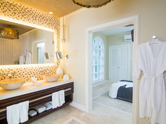 RC-27 bedroom 5 bath.jpg
