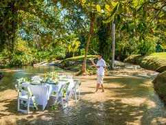 Waterfall dining 2.jpg