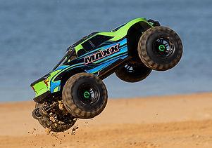 89076-4-MAXX-Green-Sand-Jump-DX1I1010.jp