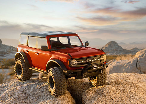 92076-4-21-Bronco-front-right-RED-8535-R