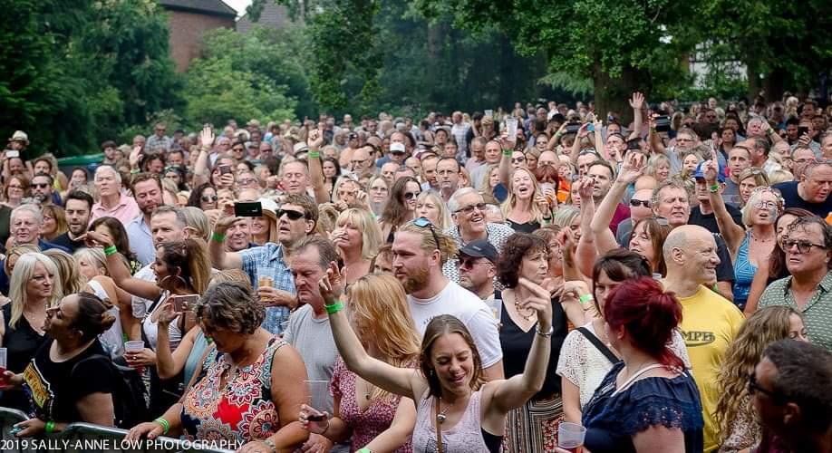 Crowd Colour 2