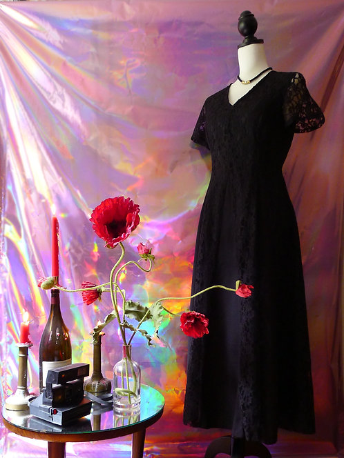 Robe longue vintage en dentelle