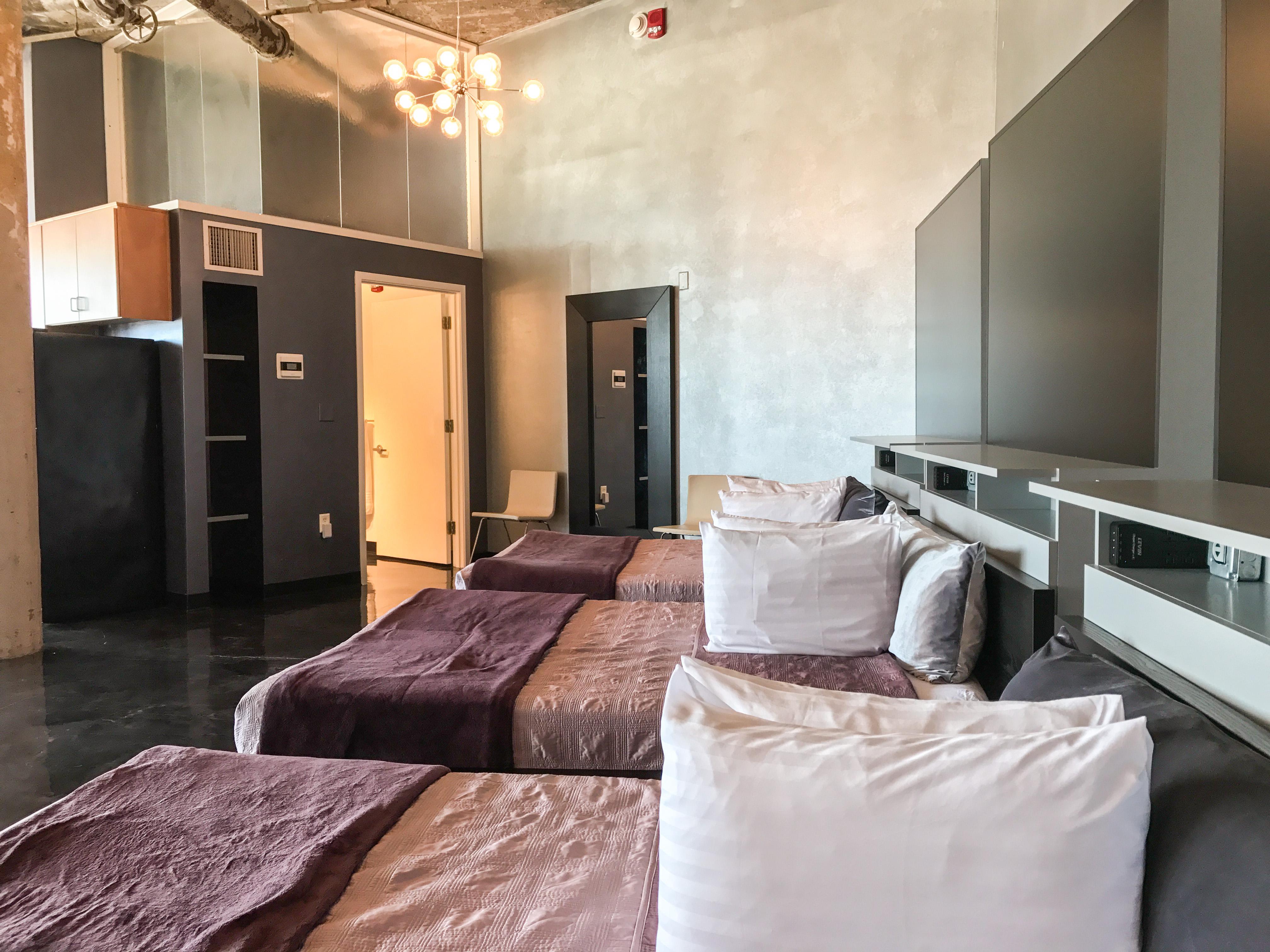 Loft Reverie Hotel 804 - Zbeds + Queen Foam Topped Matress