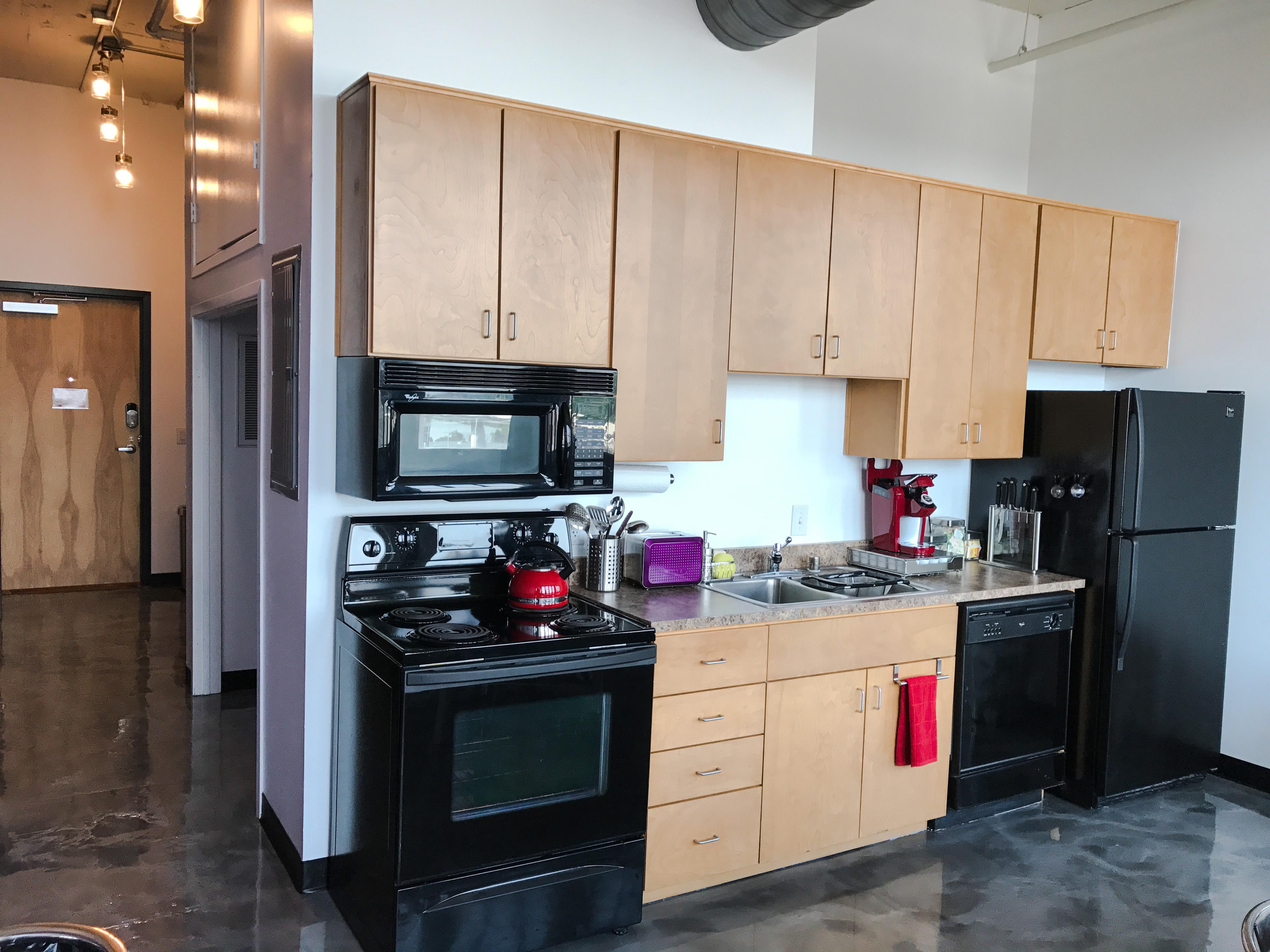 Loft Reverie Hotel 703 - Kitchen + Entry Hallway