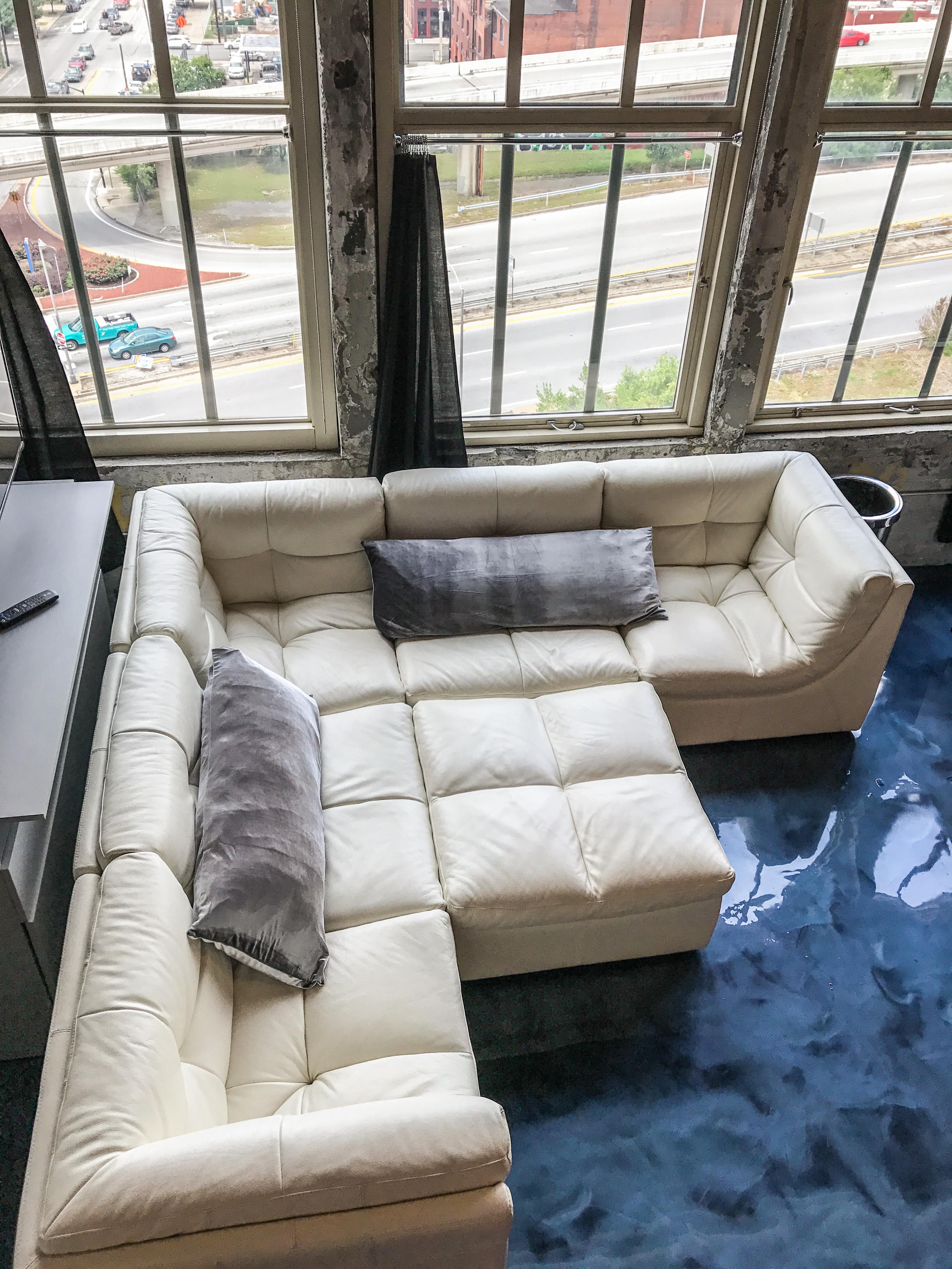 Loft Reverie Hotel 805 - Cloud Sofa Lounge Pit