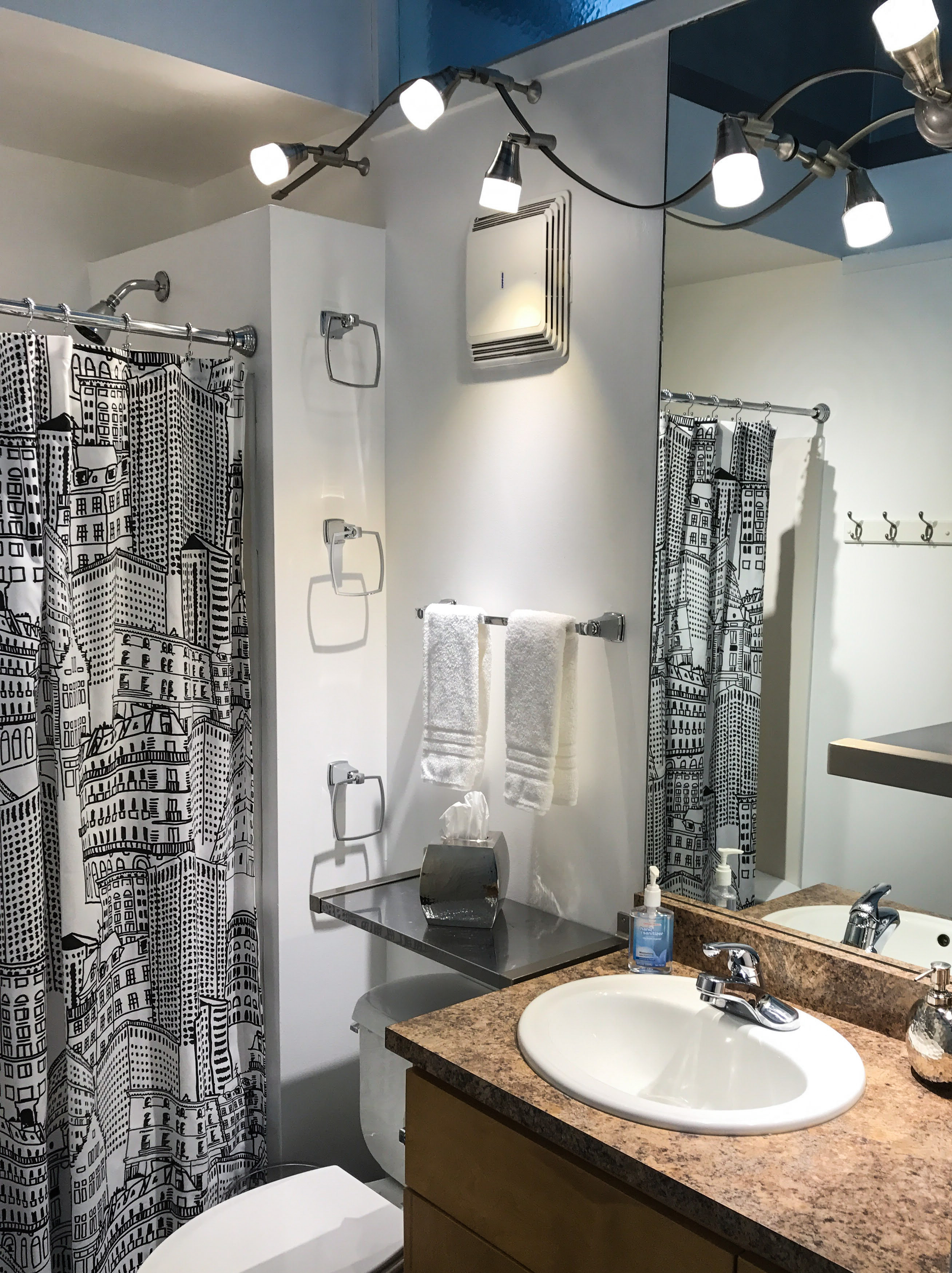 Loft Reverie Hotel 801 - Bathroom