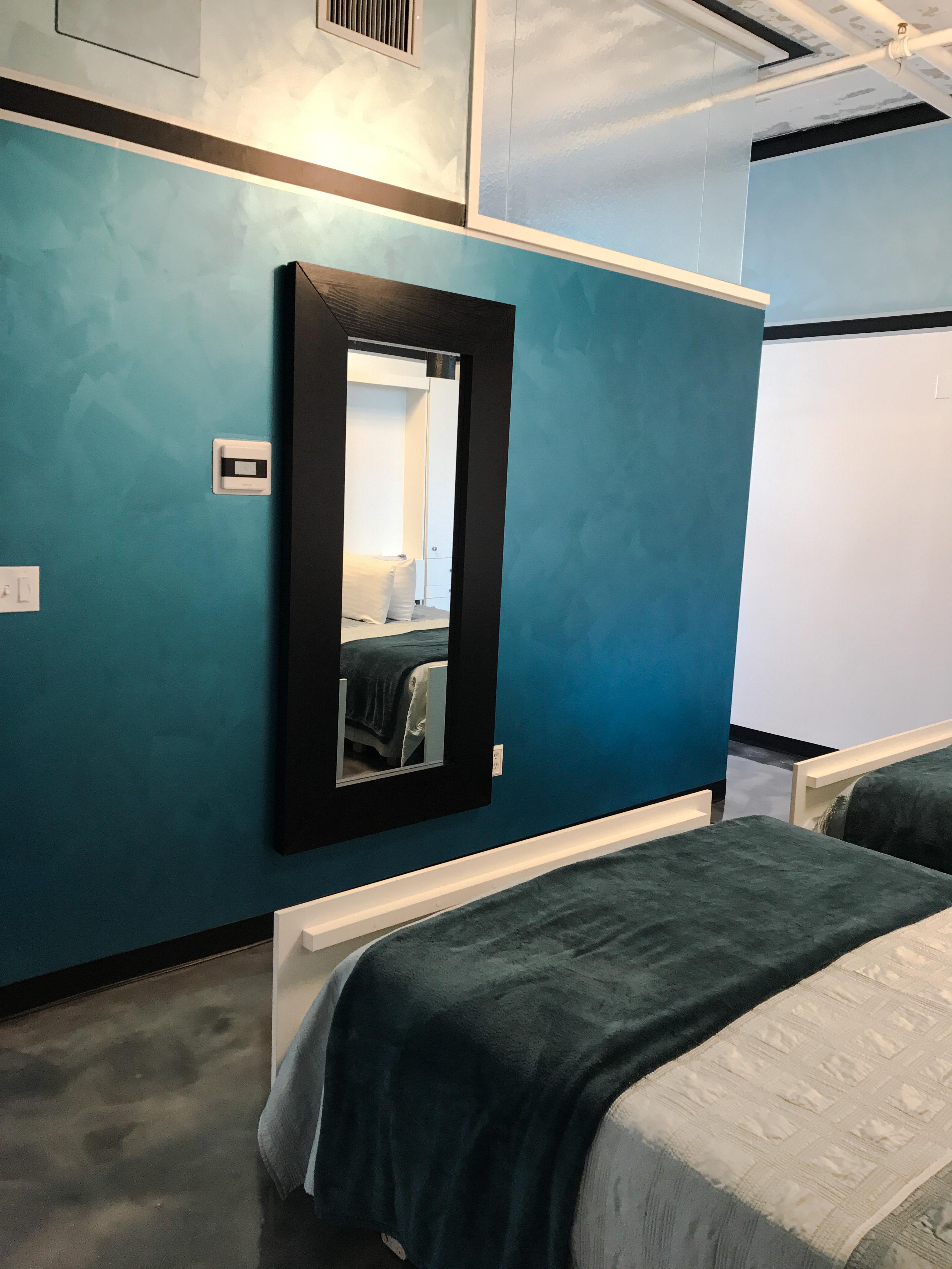 Loft Reverie Hotel - Loft 711 - Beds + Mirror