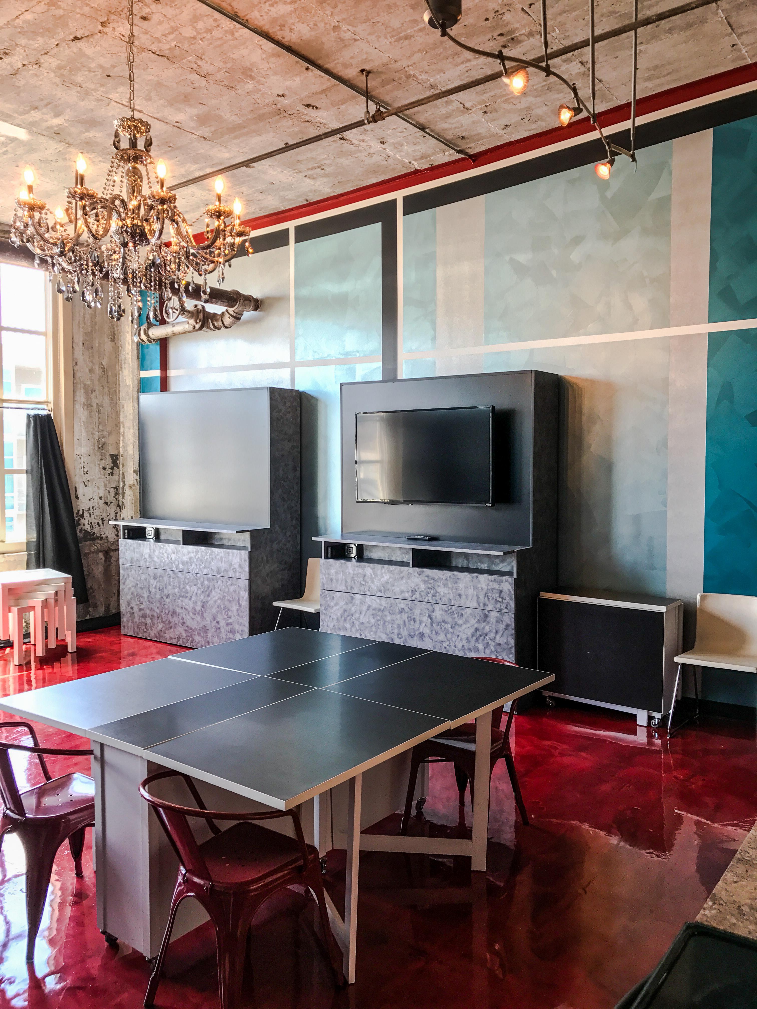 Loft Reverie Hotel 809 - HDTV + Dining + Glassworks Building + 8th Floor