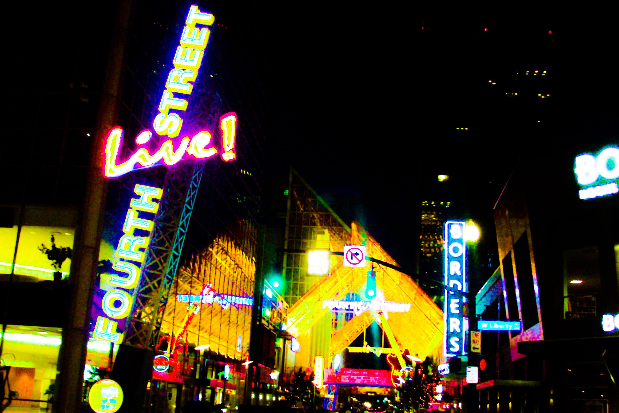 Fourth Street Live
