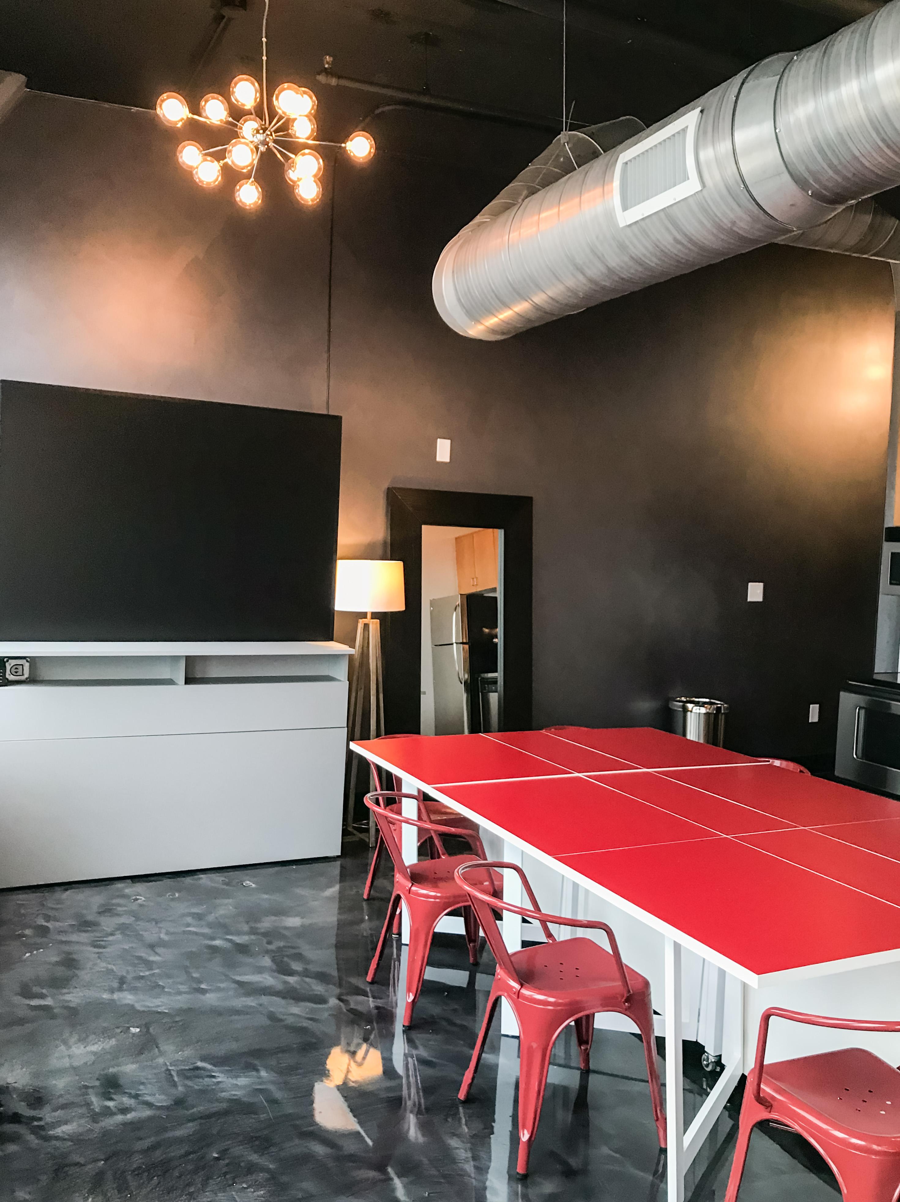 Loft Reverie Hotel 803 - Modular Dining Table + Mirror + Zbeds