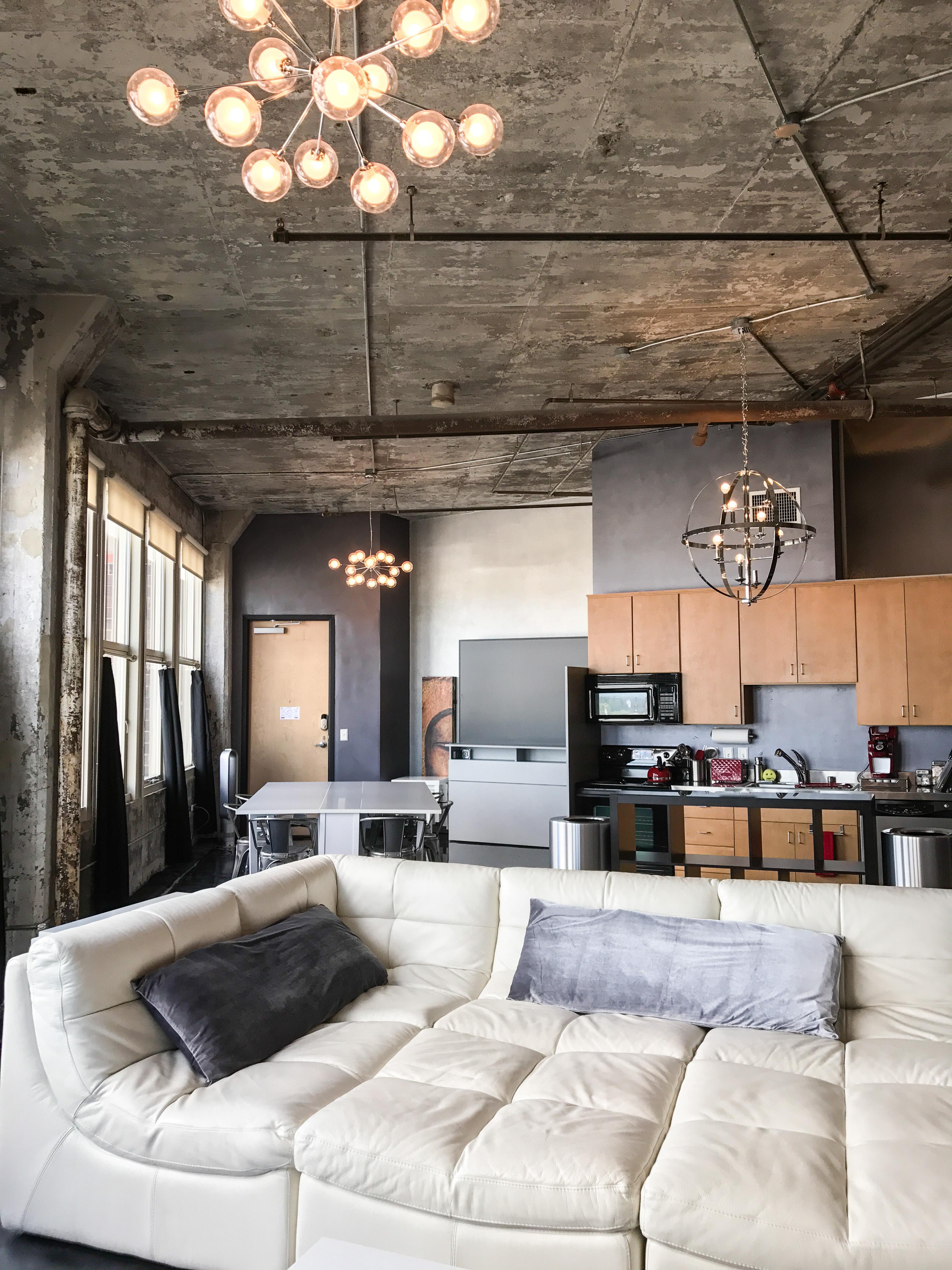 Loft Reverie Hotel 804 - Cloud Sofa + Kitchen