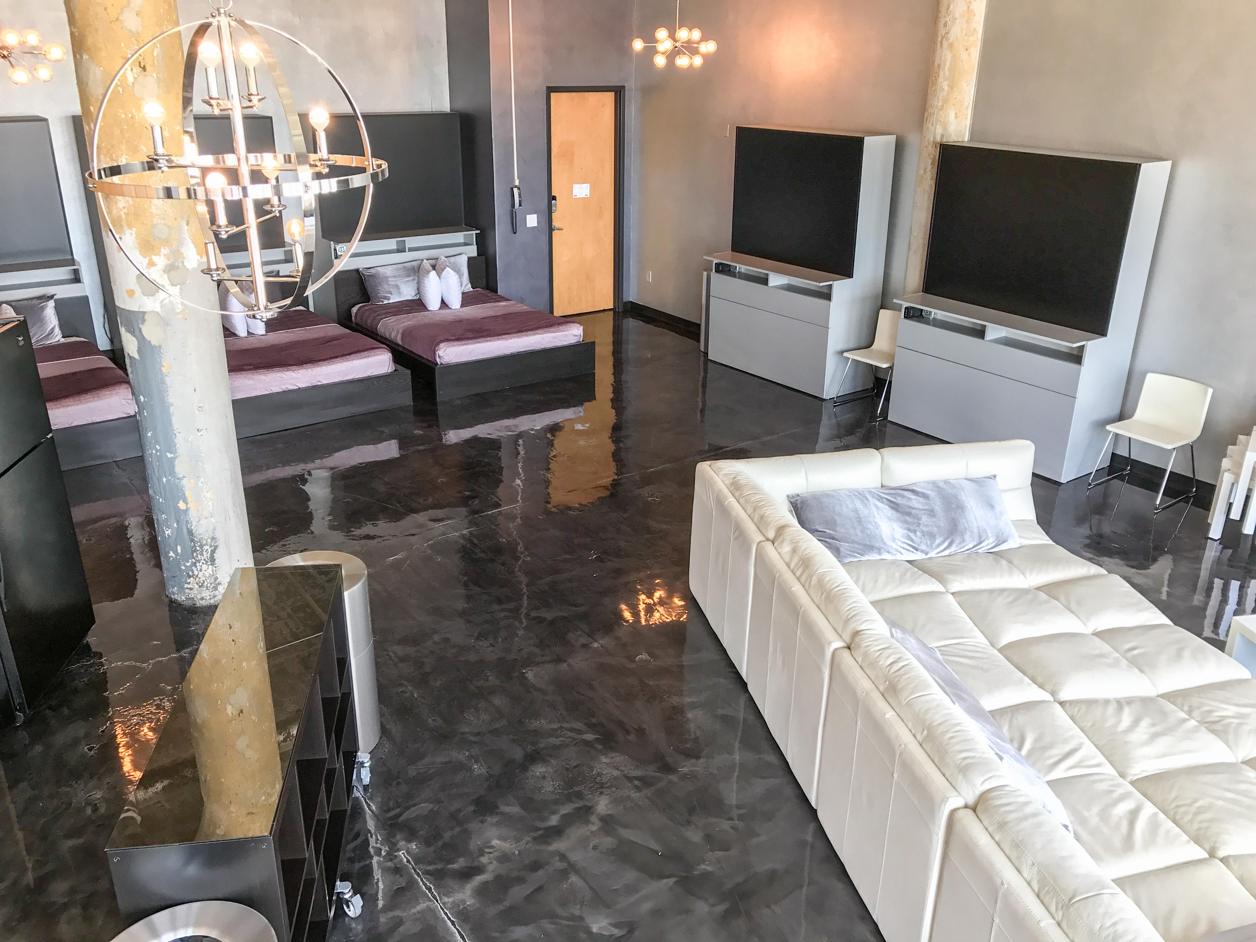 Loft Reverie Hotel 804 - Cloud Sofa + Beds