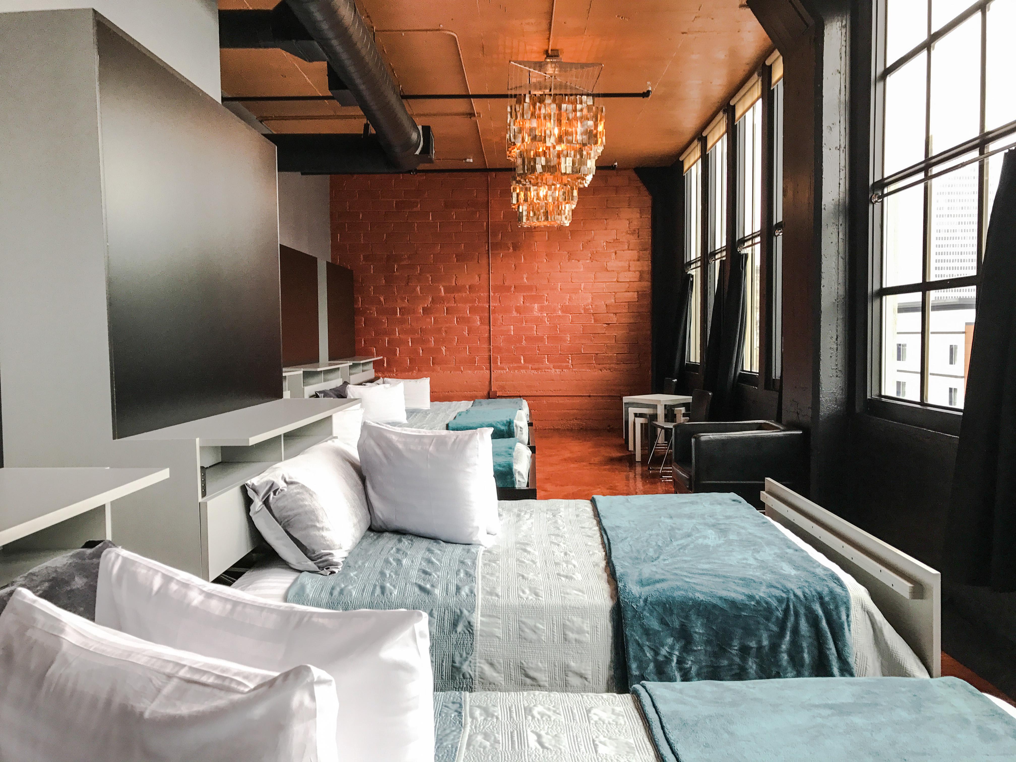Loft Reverie Hotel 714 - Beds + Views