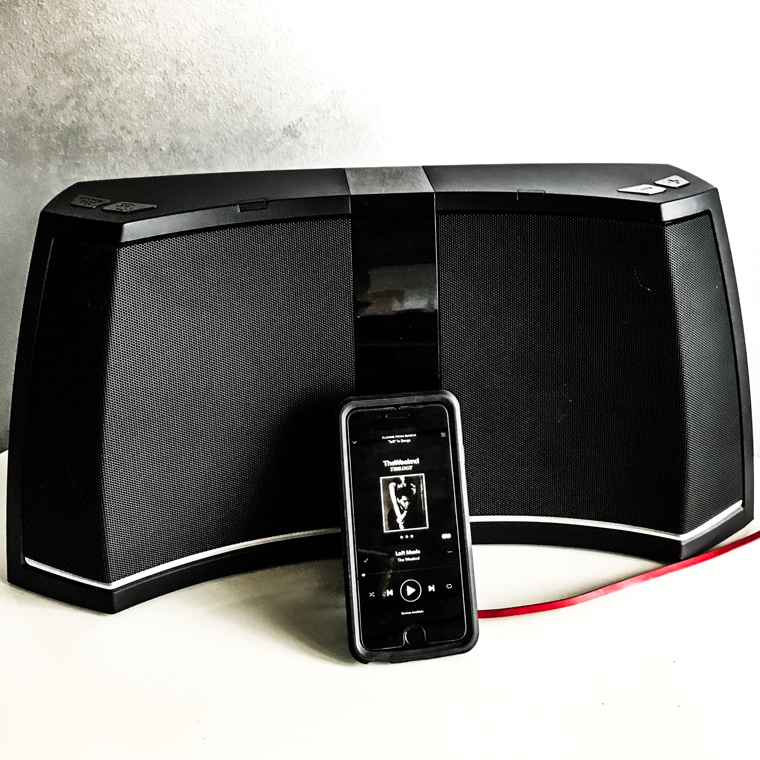Bluetooth Auxilary Speaker - Loft Reverie Amenities