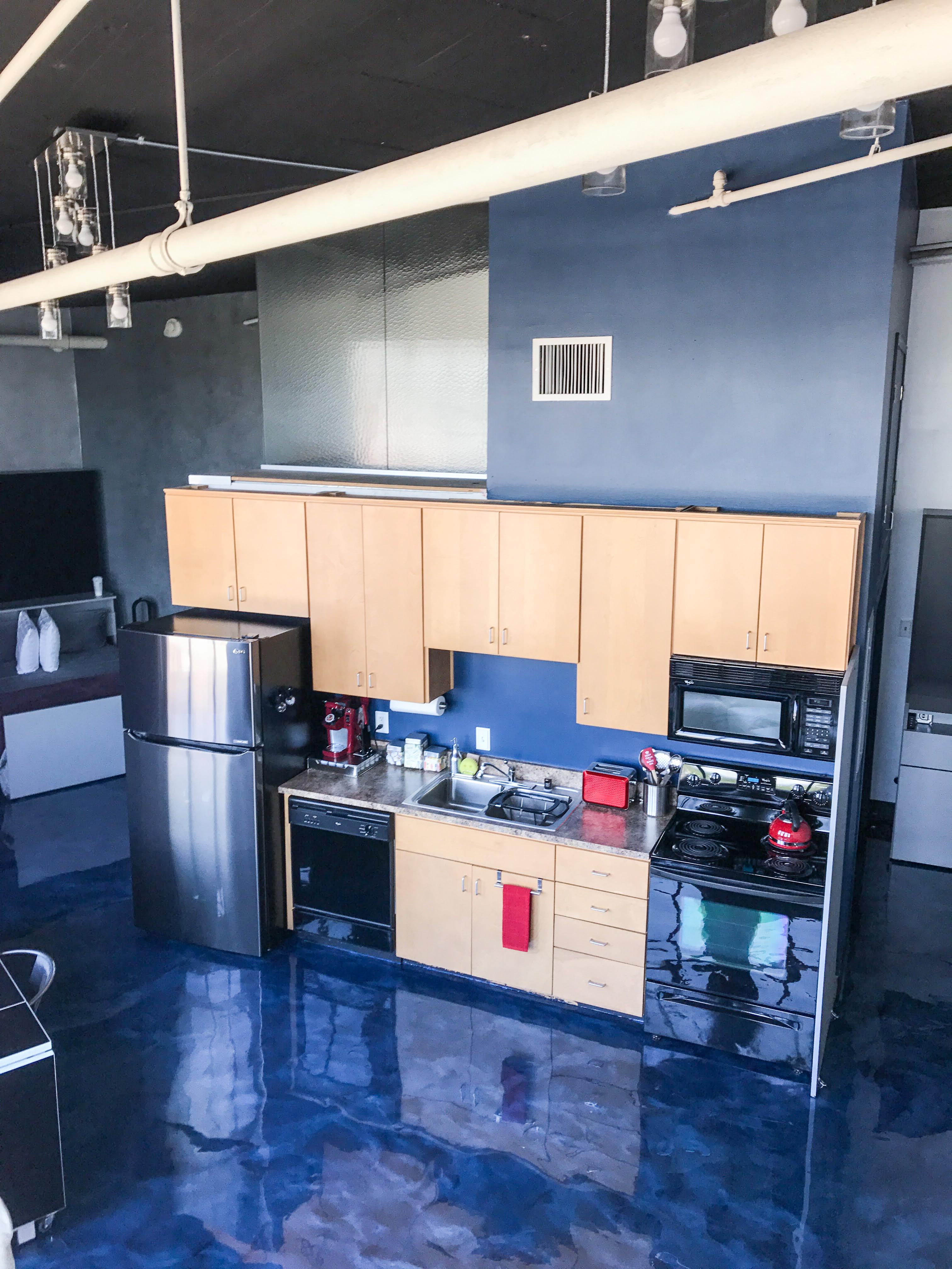 Loft Reverie Hotel 805 - Kitchen