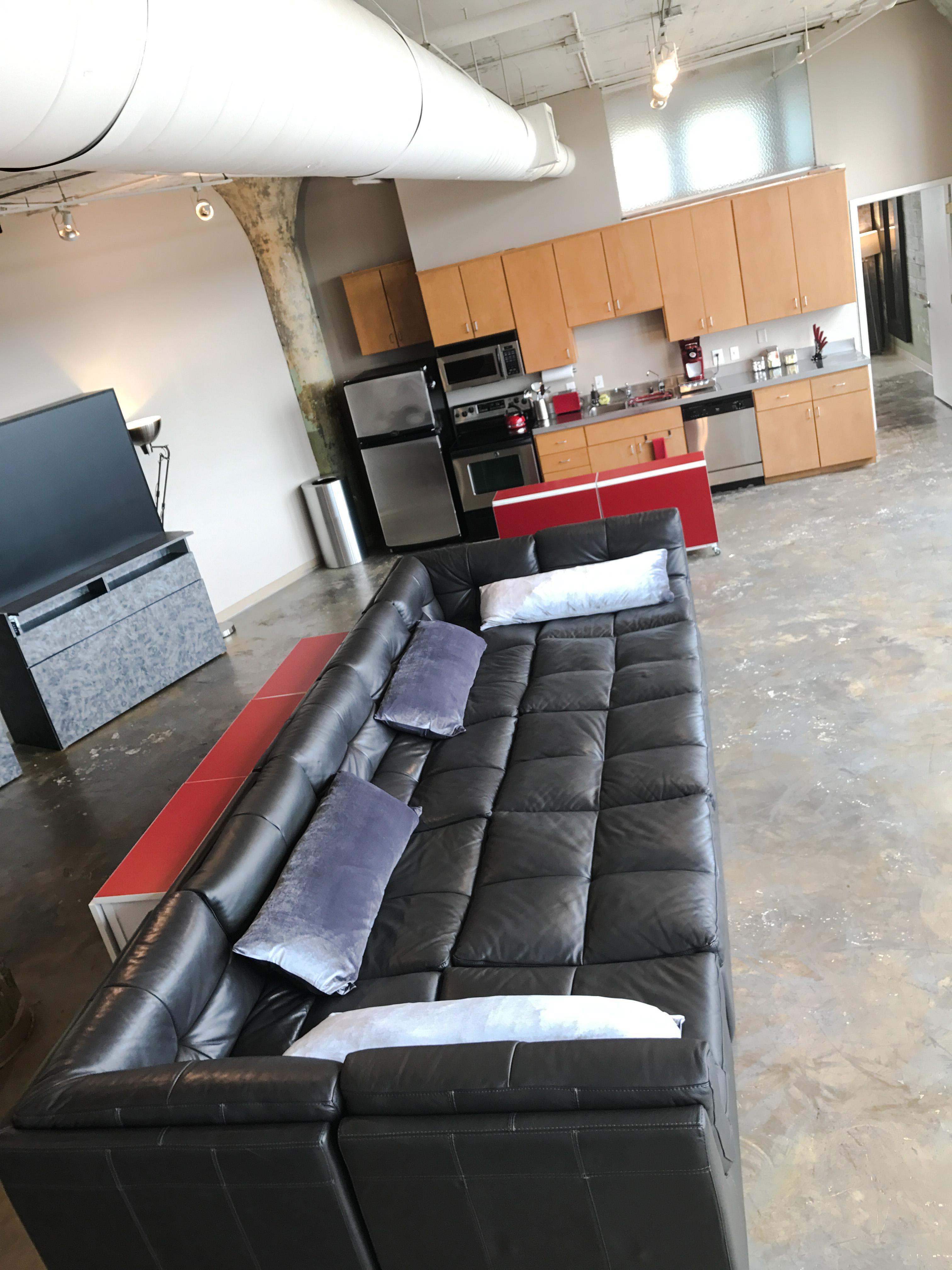 Loft Reverie Hotel 707 - Cloud Sofa + Kitchen