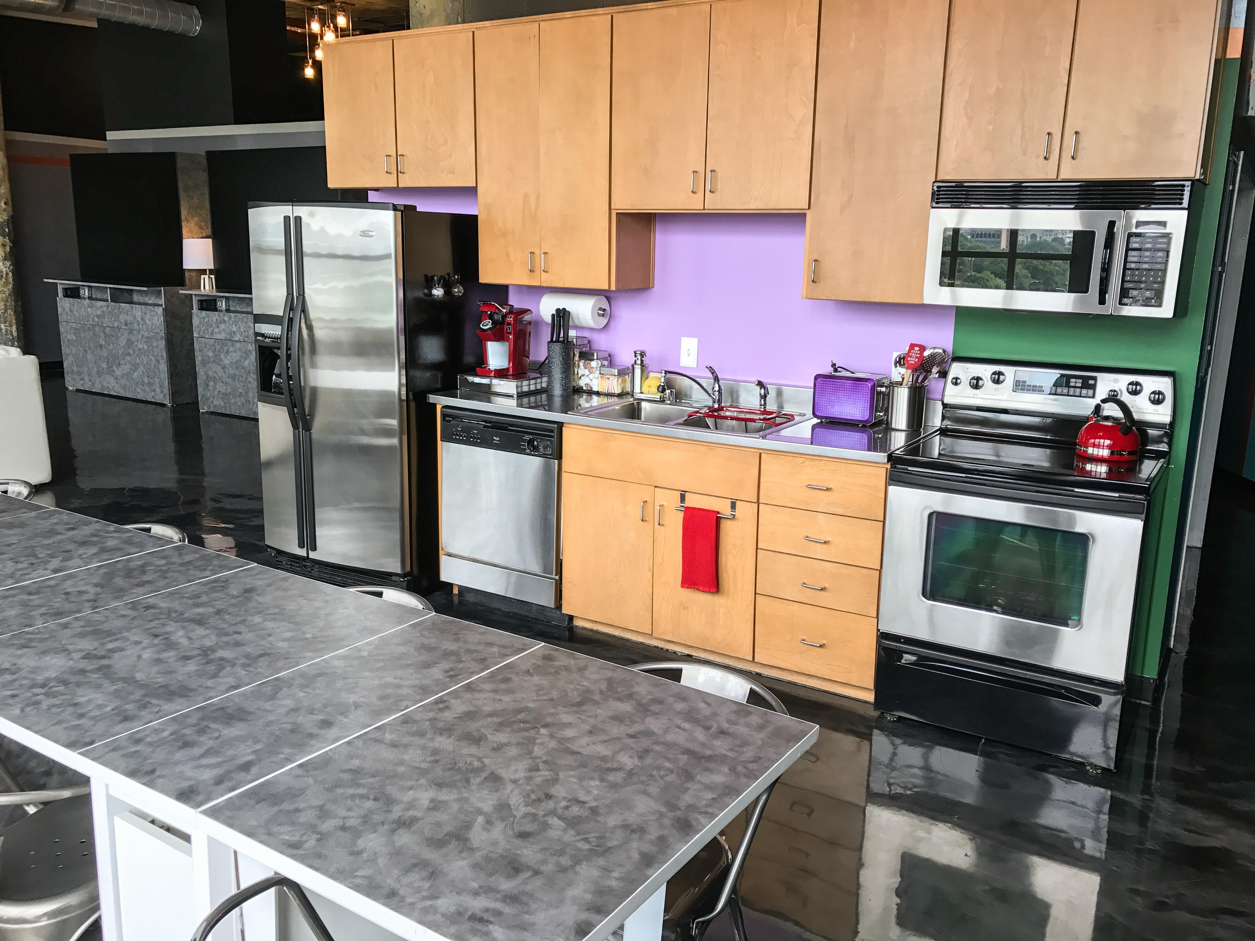 Loft Reverie Hotel 812 - Kitchen + Dining