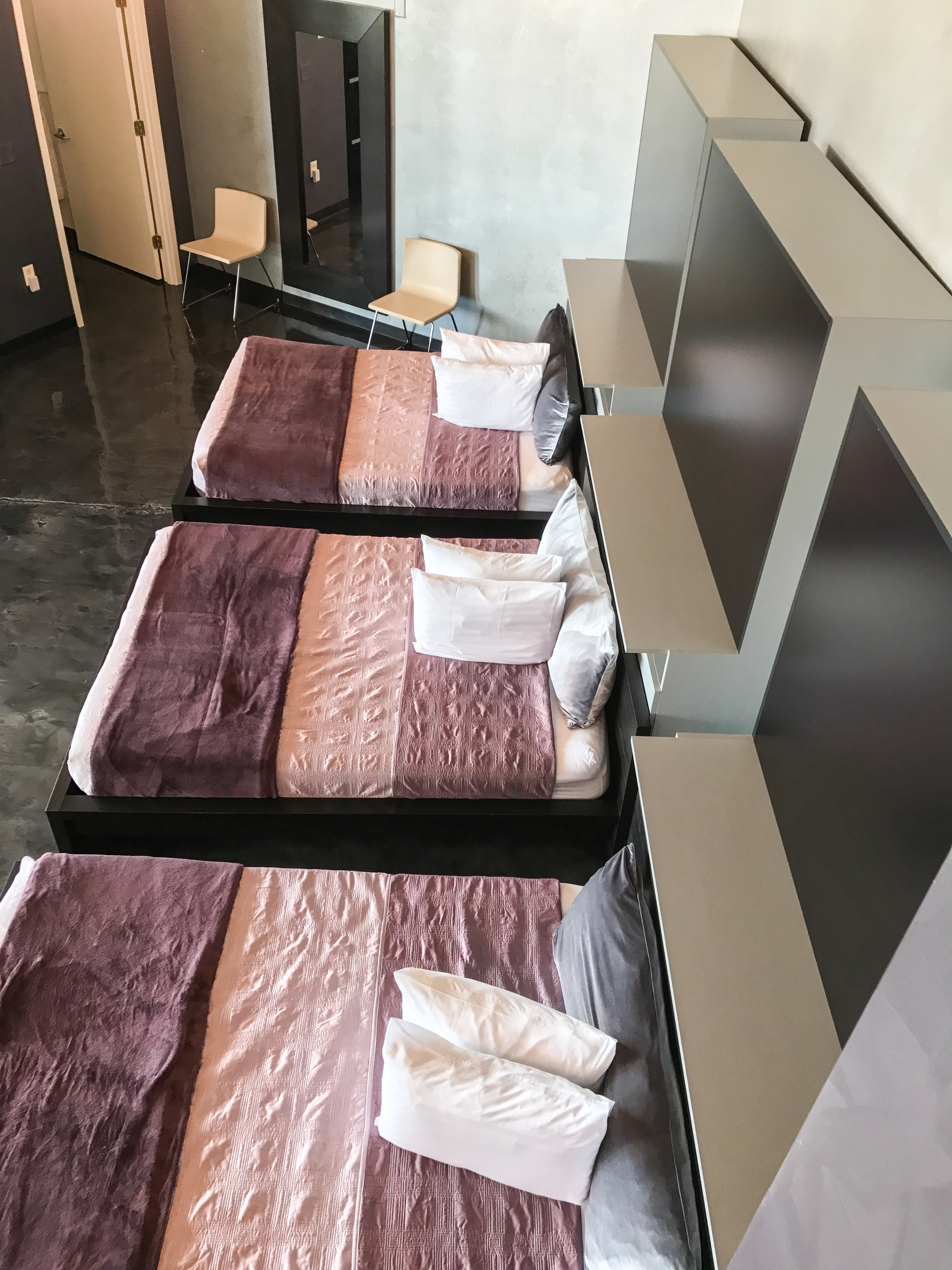 Loft Reverie Hotel 804 - Birdseye Beds