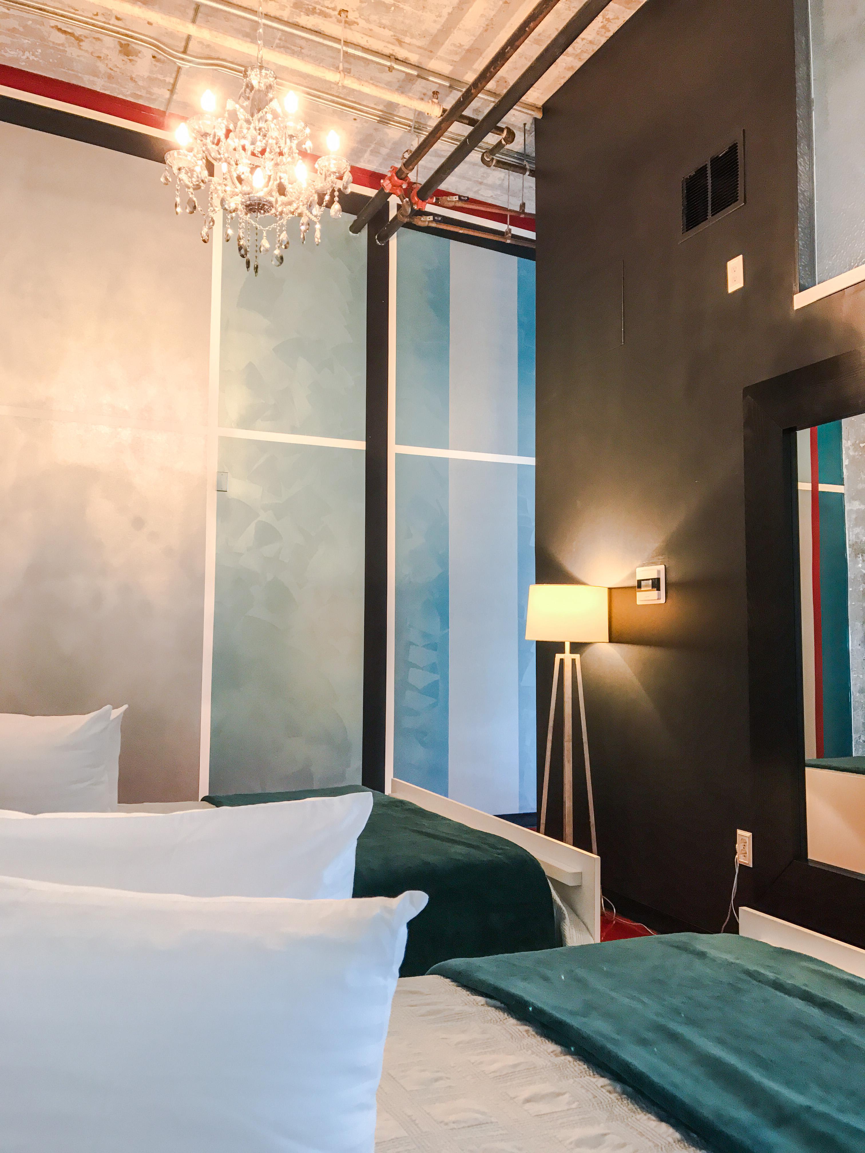 Loft Reverie Hotel 809 - Airy Open Floorplan + Queen Memory Foam Beds