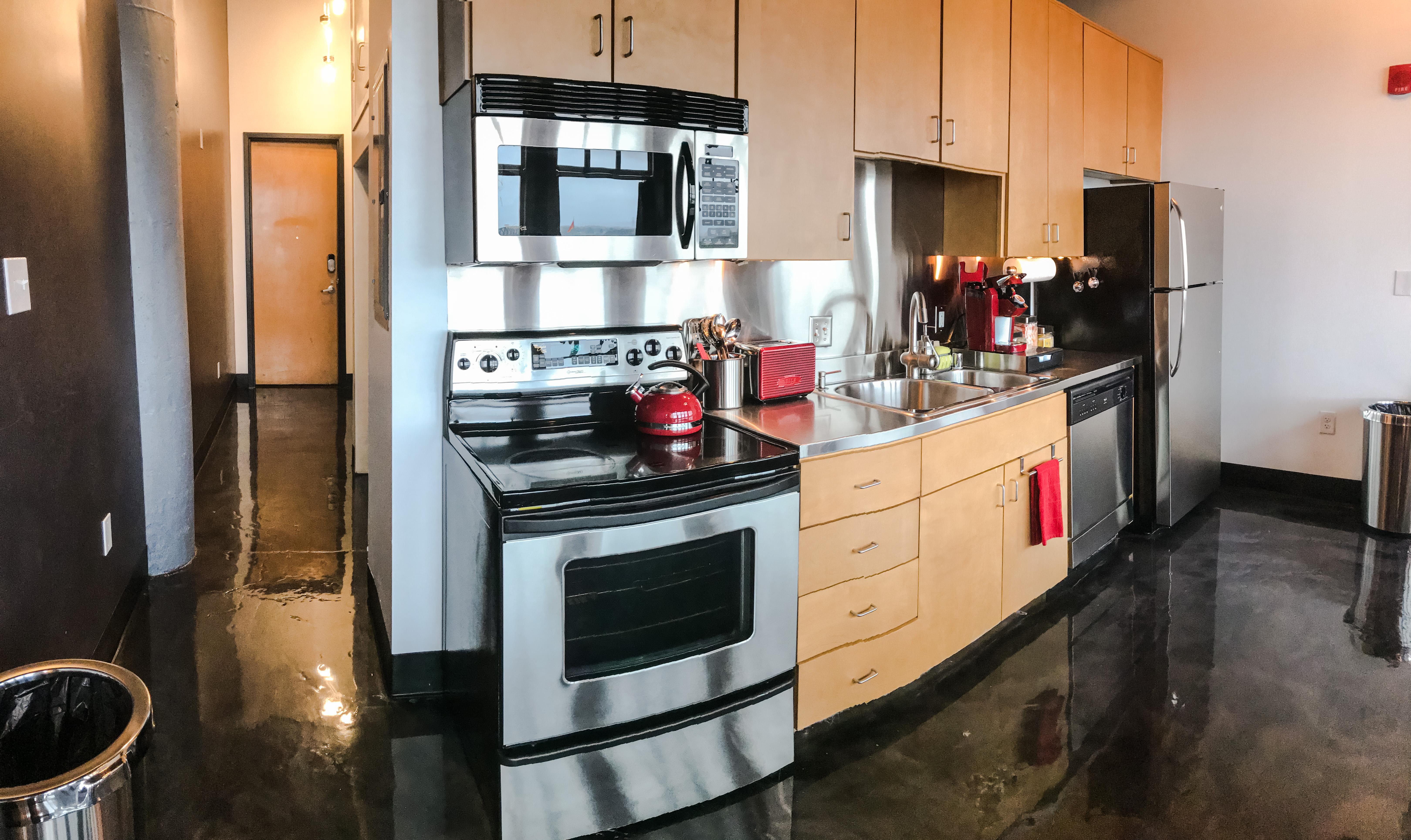 Loft Reverie Hotel 803 - Kitchen + Entry + Hallway + Closet