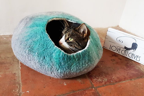 Cat bed in Grey & Green