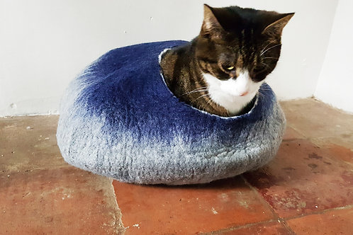 Cat Bed in Grey and Blue