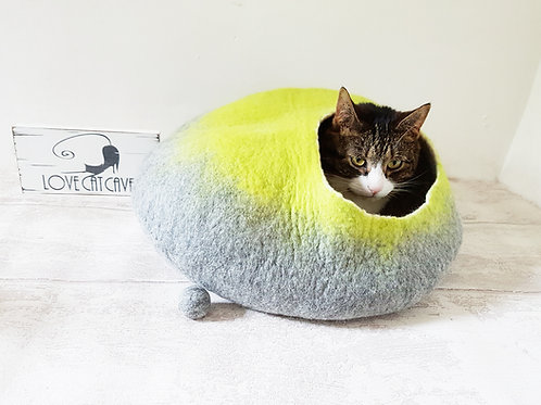 Cat Bed in Grey and Lime