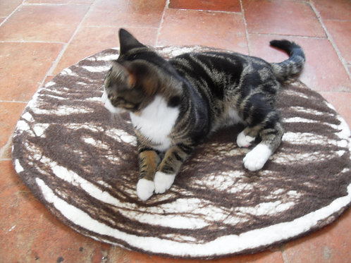 Cat Mat in natural white and Brown