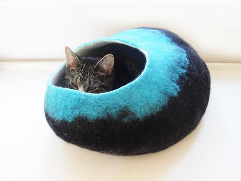 Cat bed in Black & Teal
