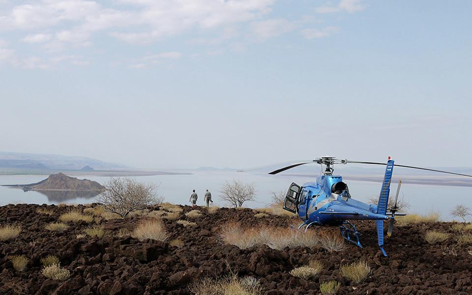 helicopter-northern-kenya-logipi.jpg