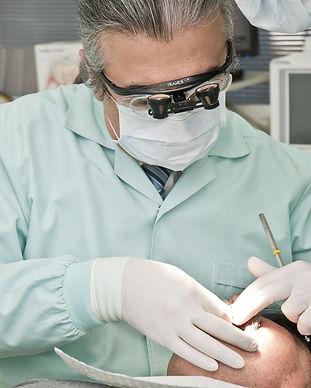 dentist-2530990_1920.jpg