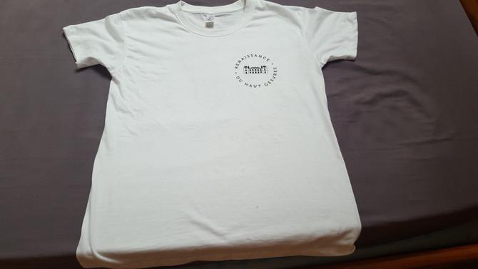 Les Tee-shirts au nom de l'association sont arrivés ! Il n'y en aura pas pour tout le monde