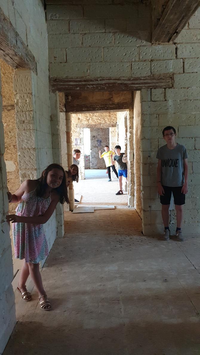 """Atelier """"visite du château"""" le 10 juillet à 10h00 animé par Régis et Patrice, Bénévoles au"""