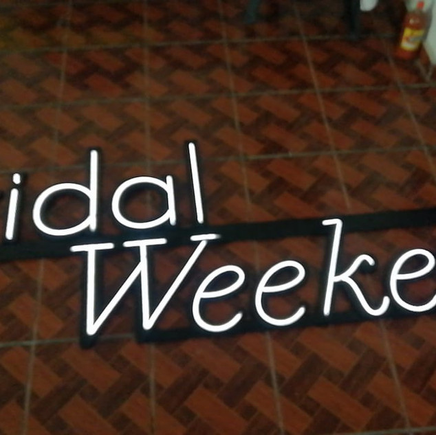 "Letrero con Luz Neón "" Bridal Weekend """