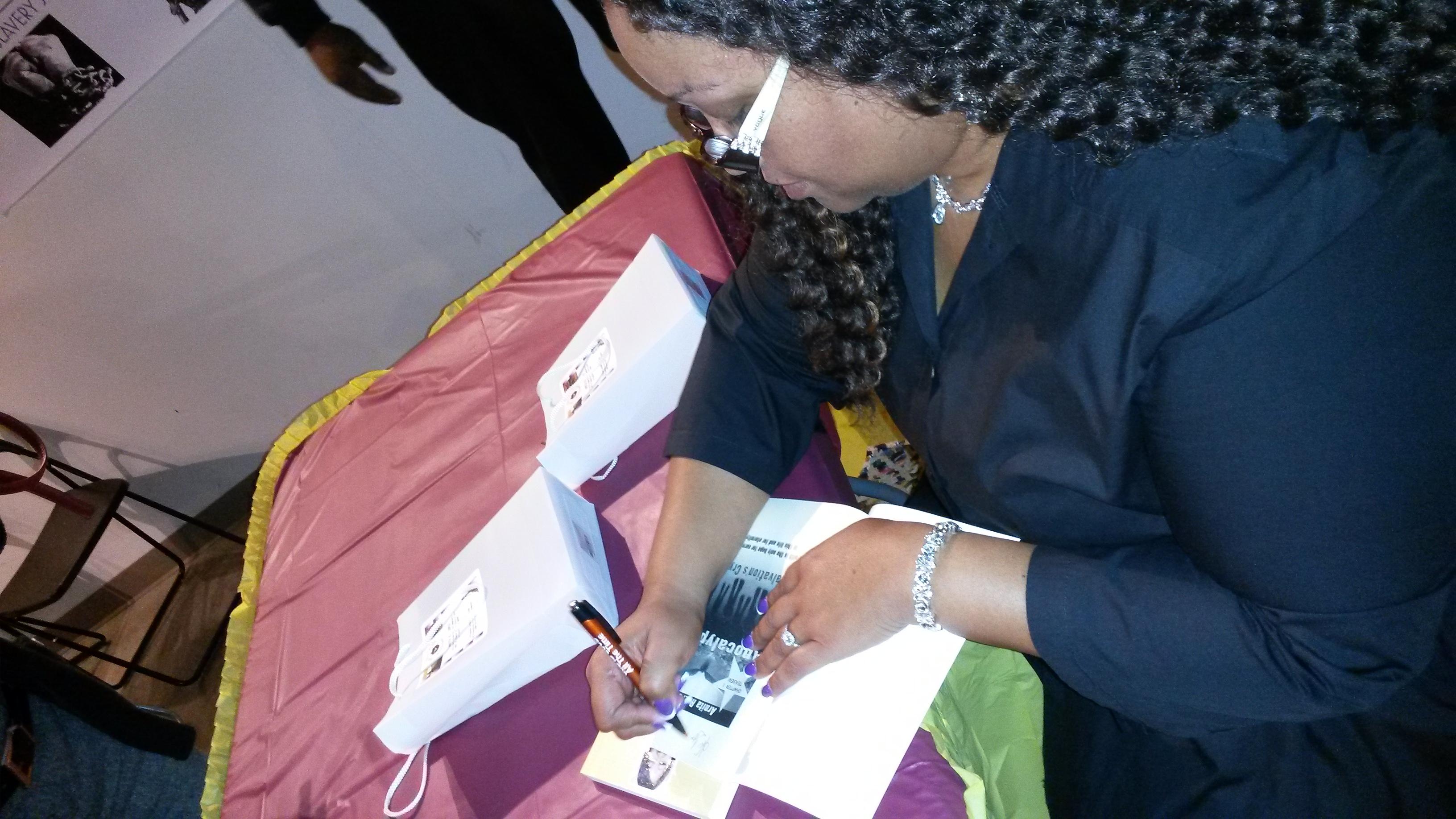 Nita Nae Signing Books 4
