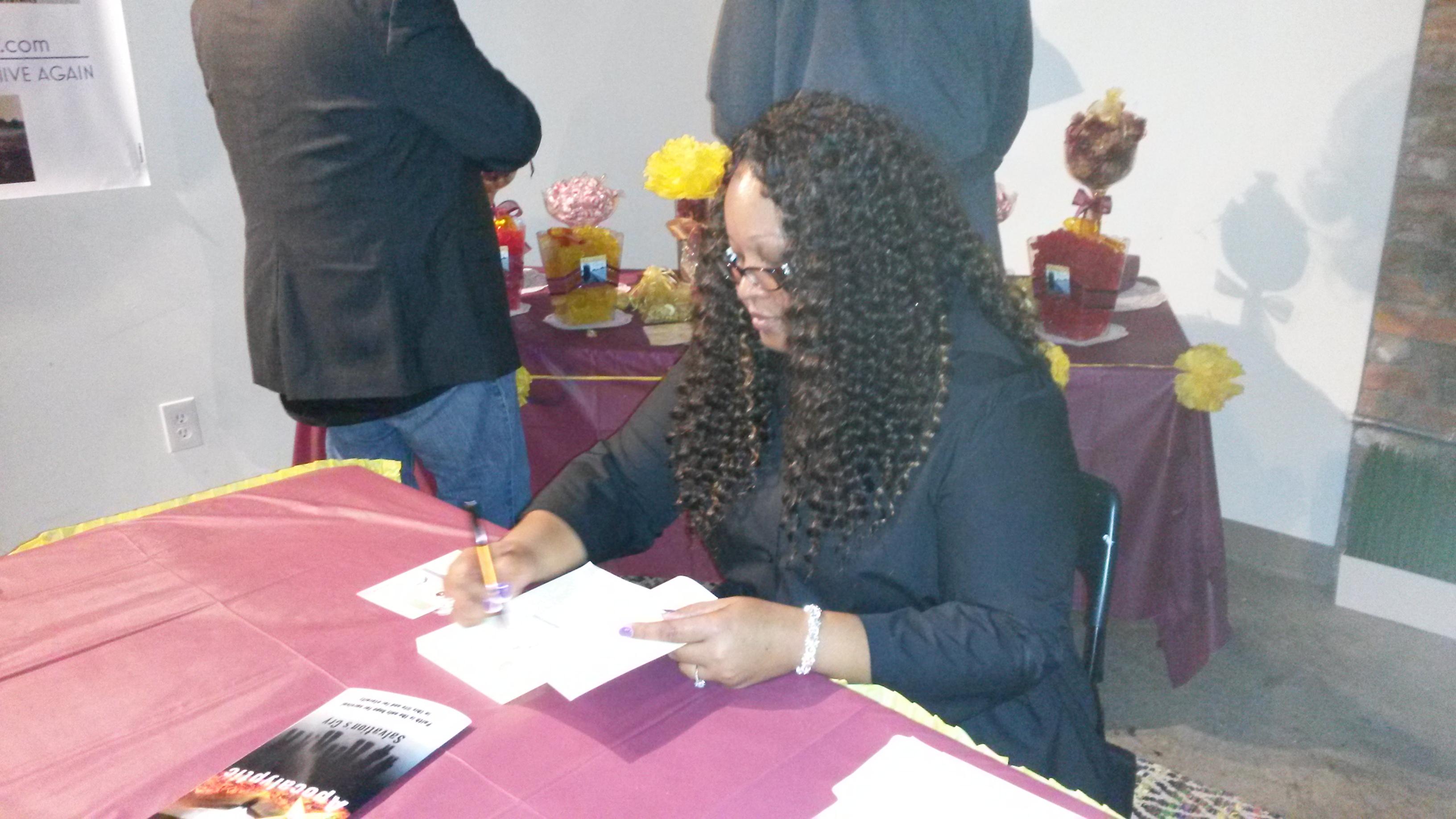 Nita Nae Signing Books 2