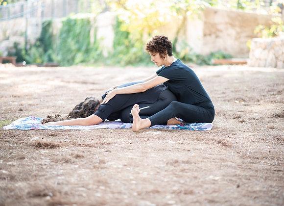 שיעורי יוגה פרטיים לנשים אחרי לידת קרעים