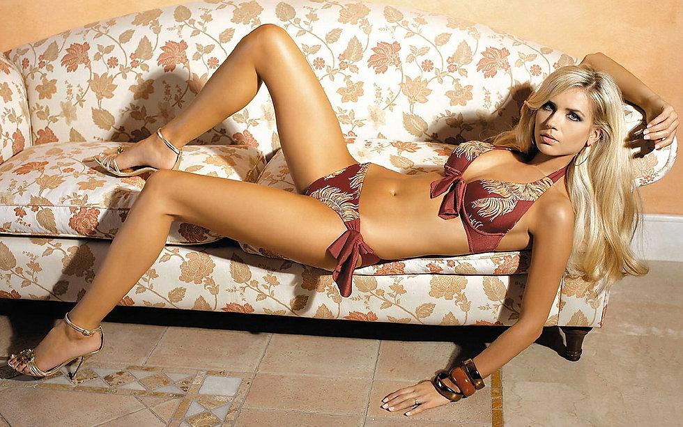women-model-blonde-long-hair-black-hair-