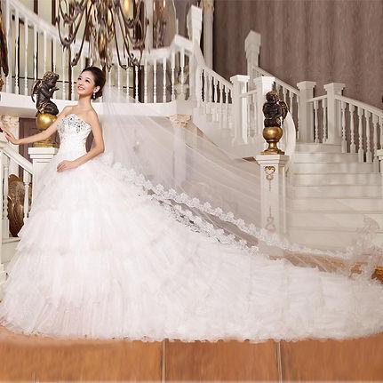 wow-luxury-long-train-bridal-dress-sweetheart.jpg