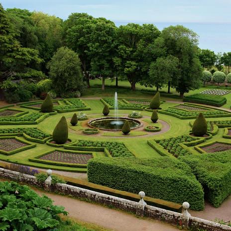 Elegant Gardens.jpg